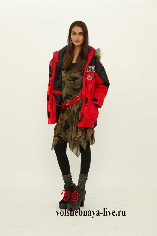 Красная куртка под платье цвета хаки