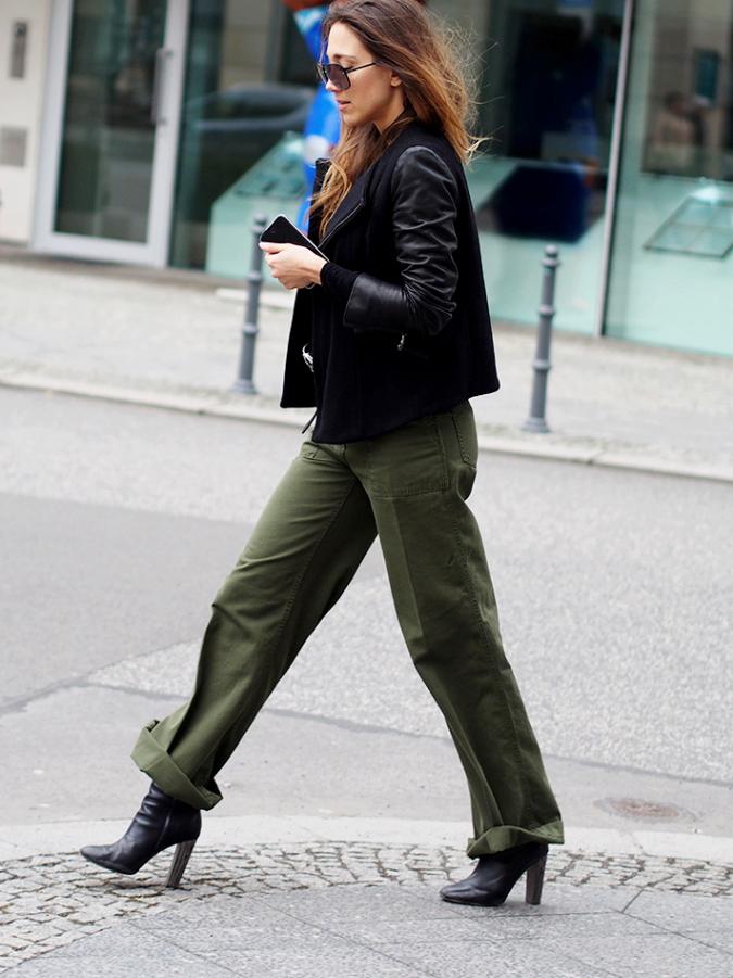 брюки цвета хаки с чем носить