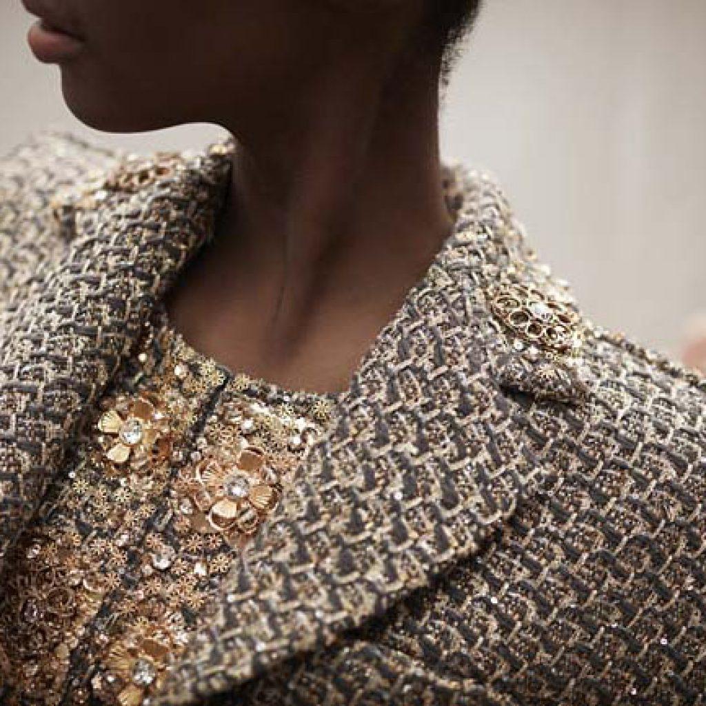 Украшение женского пиджака своими руками 27