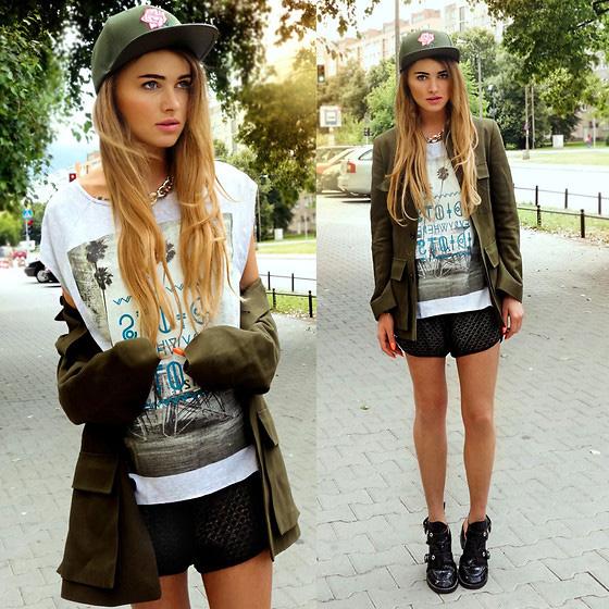 obraz-s-kurtkoy-v-stile-militari-2