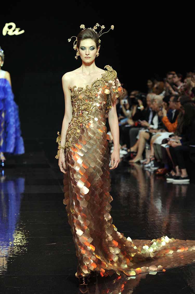 Платье сверкающее из паеток золотых