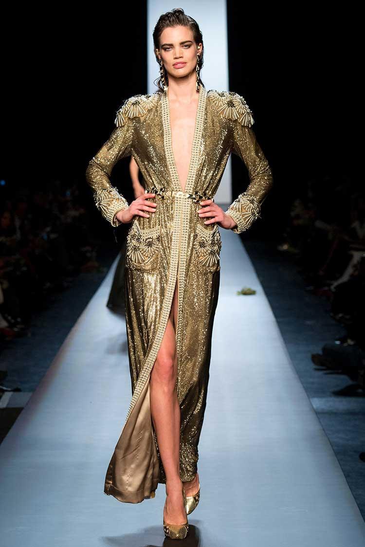 Стильное макси платье золотое из паеток
