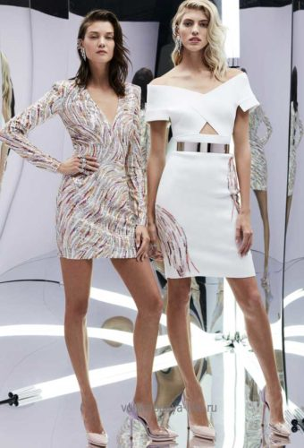 Нарядное белое платье с пайетками.