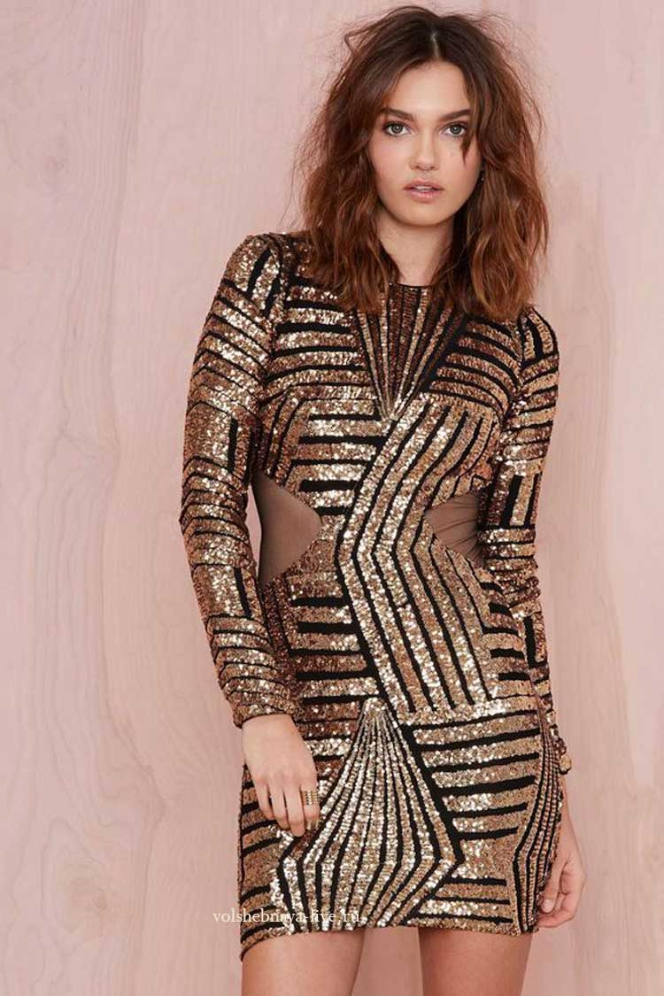 Золотое мини платье с пайетками