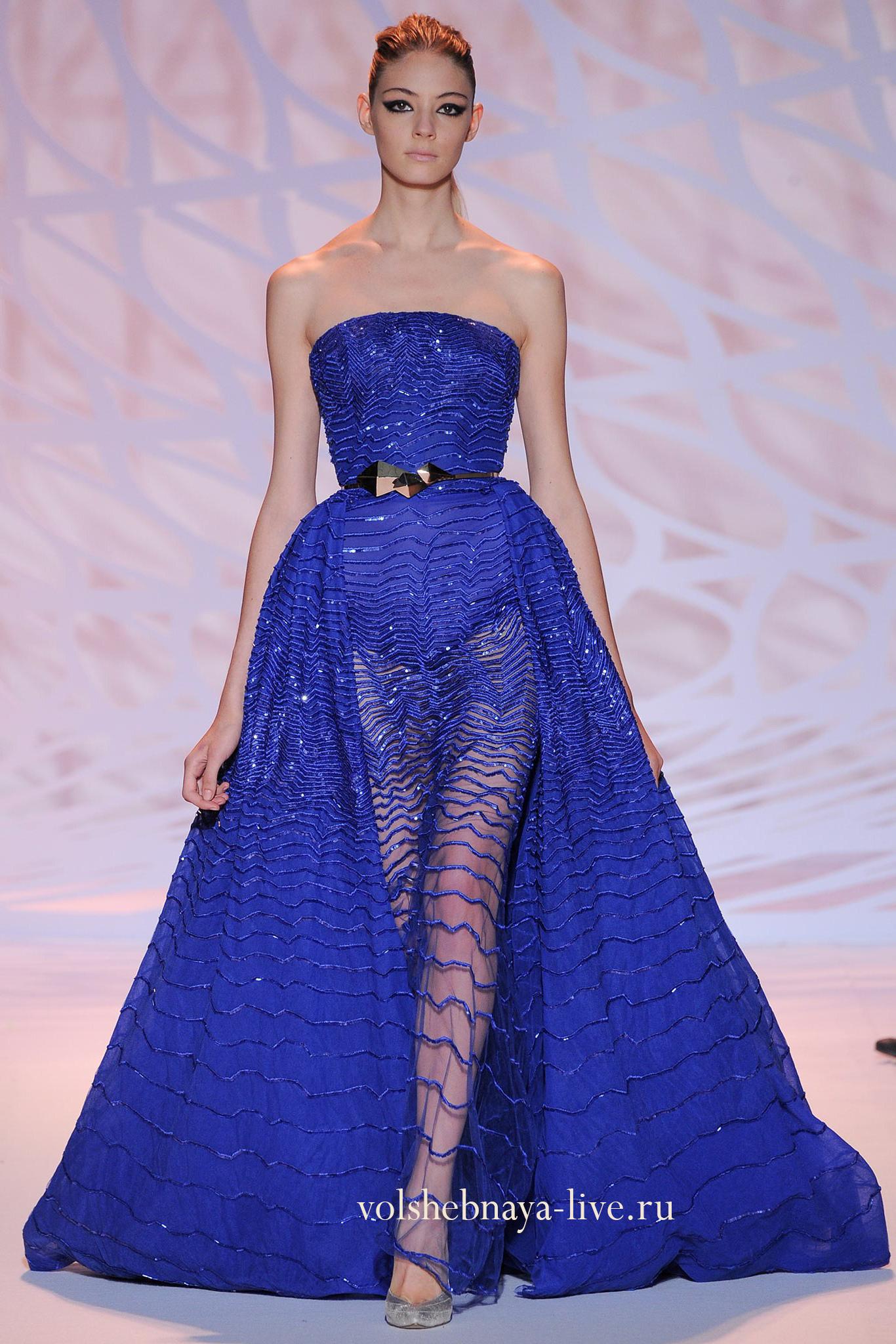 Голубое платье с блестками