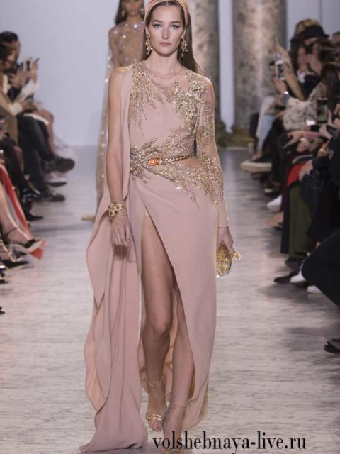 Платье с разрезом цвета пудры Elie Saab Couture