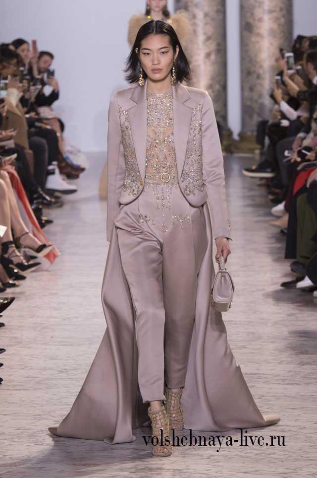 Костюм брючный со шлейфом Couture Весна-лето 2017