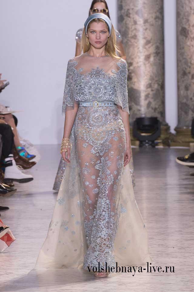 Шикарное расшитое стразами, прозрачное платье в пол, цвета неба