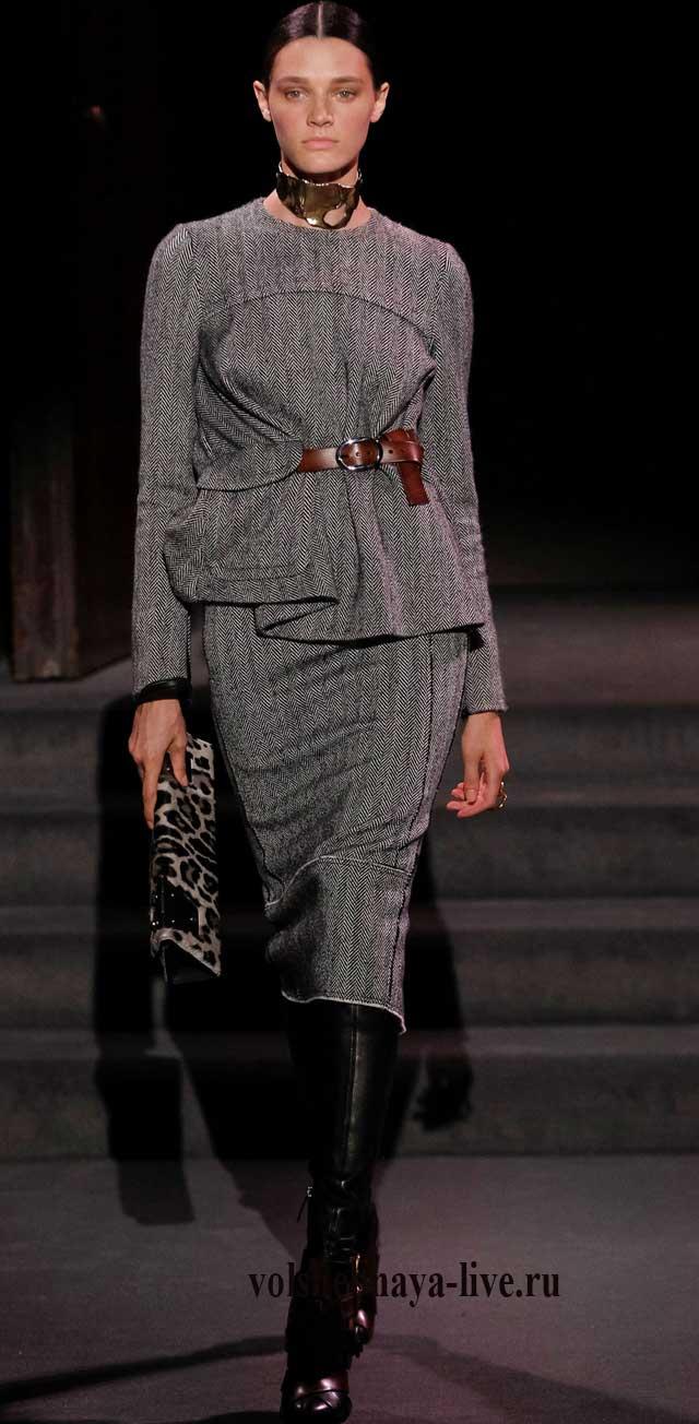 Платье с асимметричной баской Оригинальная шуба Tom Ford