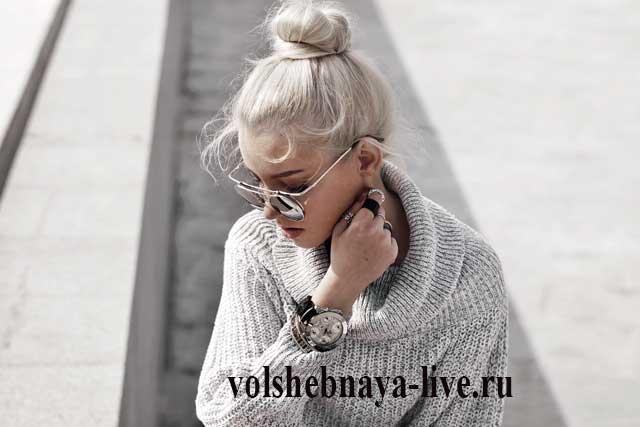 С чем носить серый большой свитер с горлом