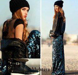 Радужная, длинная юбка с пайетками и стеганый бомбер из кожи