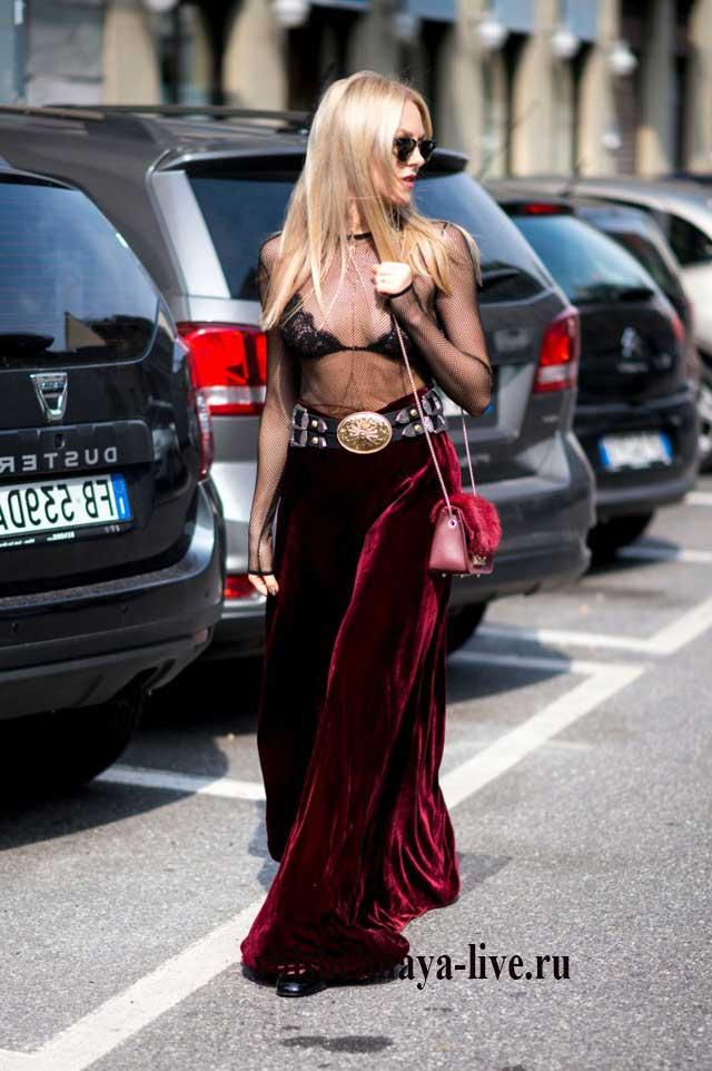 Бордовая юбка из бархата в пол с чем носить