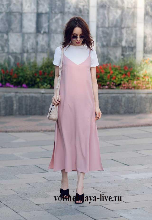 Белая футболка под розовое платье комбинацию