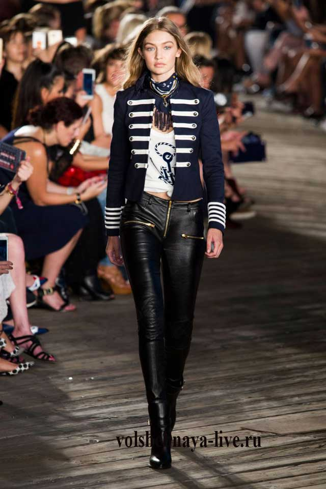 Гусарский пиджак и брюки из кожи Томи Хилфигер 2017