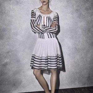 Белое платье с черными полосами Alberta Ferretti круизная коллекция 2017