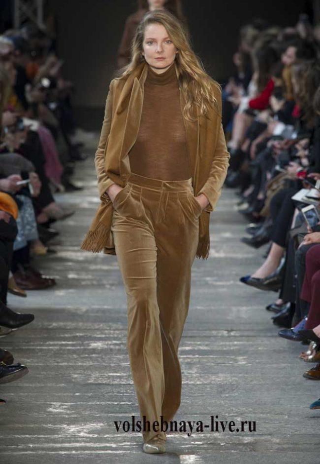 Коричневые брюки и пиджак из велюра Макс- Мара осень 2017