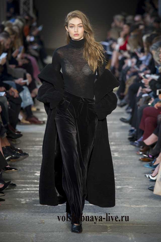 Черные бархатные брюки от Макс Мара осень зима 2017,2018