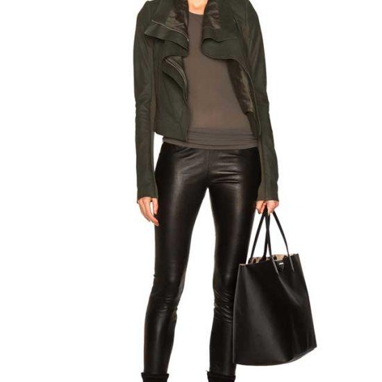 Образ-пиджак хаки и кожаные лейгинсы