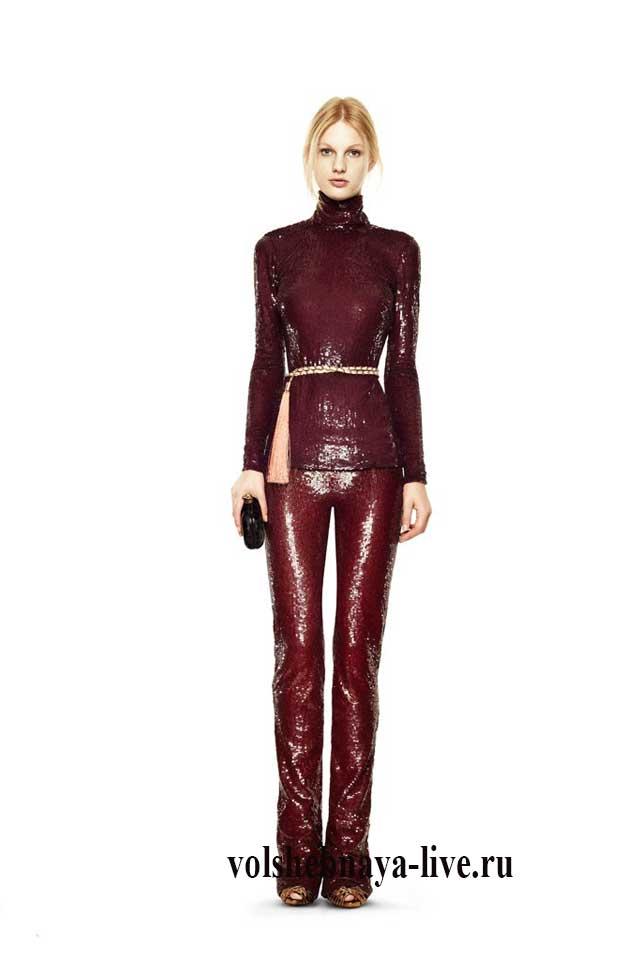 Шикарные бордовые брюки для нарядного образа из блестящей ткани