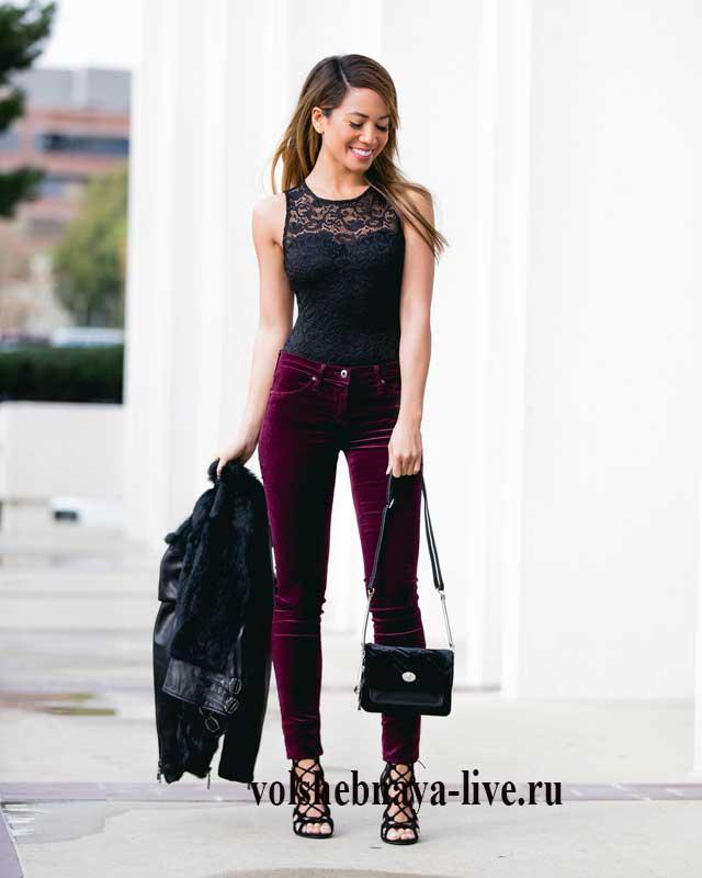 С чем носить узкие бархатные брюки цвета марсала