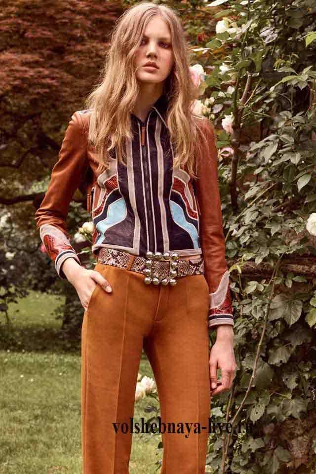 Roberto Cavalli resort 2017 коричневые брюки с разноцветной рубашкой