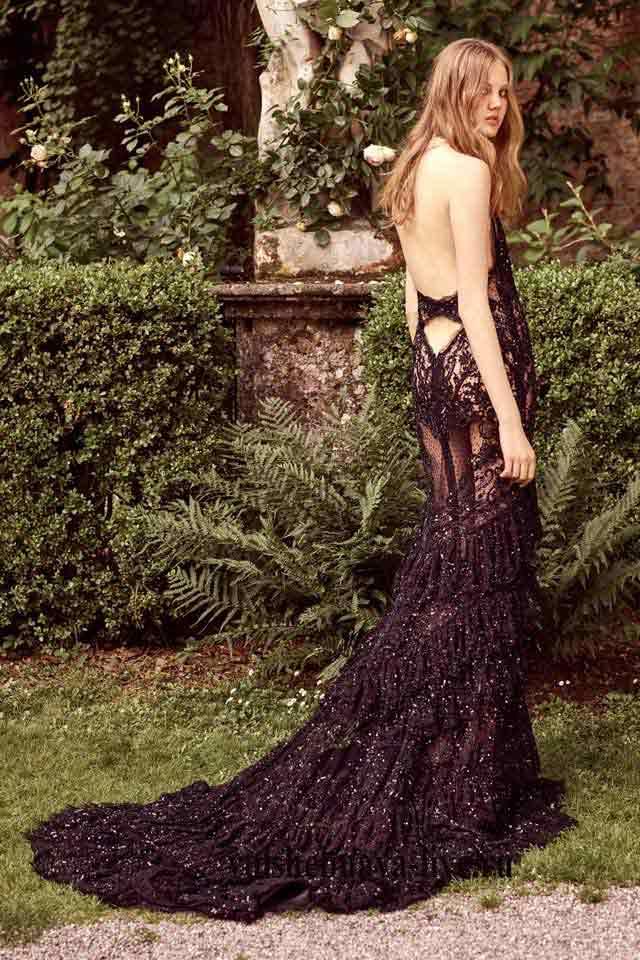 Черное платье в пайетках с открытой спиной Roberto Cavalli resort 2017