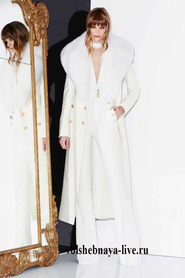 Белое двуботное пальто-трапеция с мехом Zuhair Murad