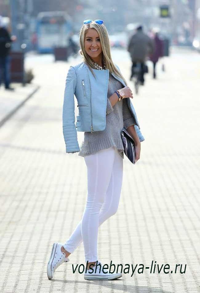 Куртка светло голубого цвета женская