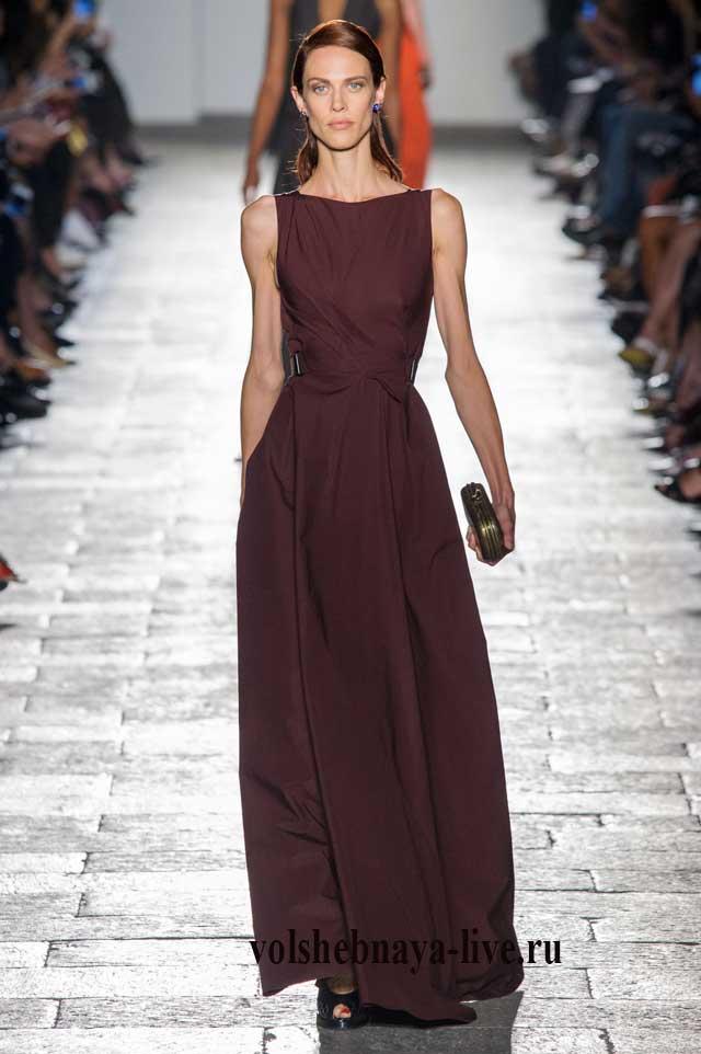 Бордовое платье в пол из шелка