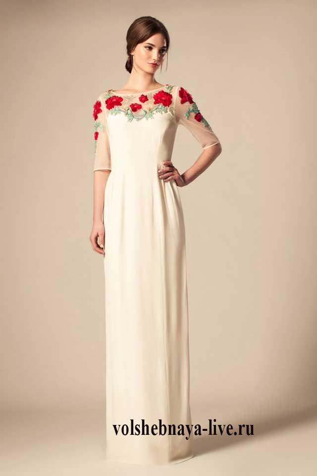 Белое платье с вышивкой в пол в стиле аля рюс