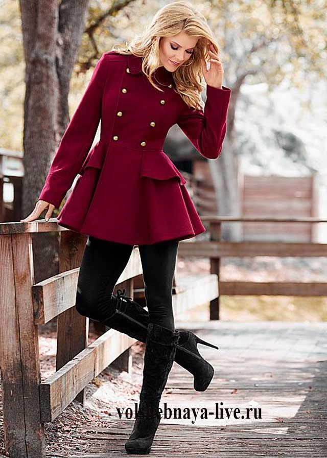 Модные бордовые пальто новые фото