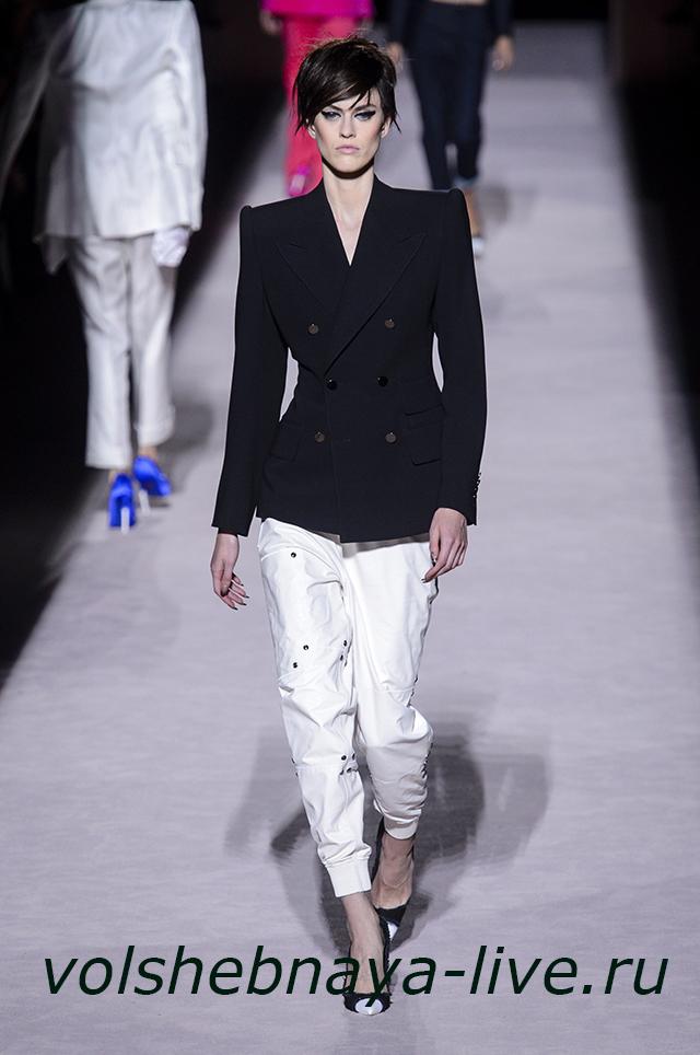 Tom Ford 2018 Образ с черным пиджаком