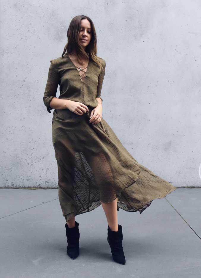 Шелковая юбка цвета хаки