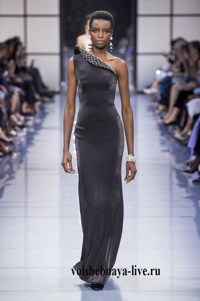 Серое бархатное платье на одно плече от Армани