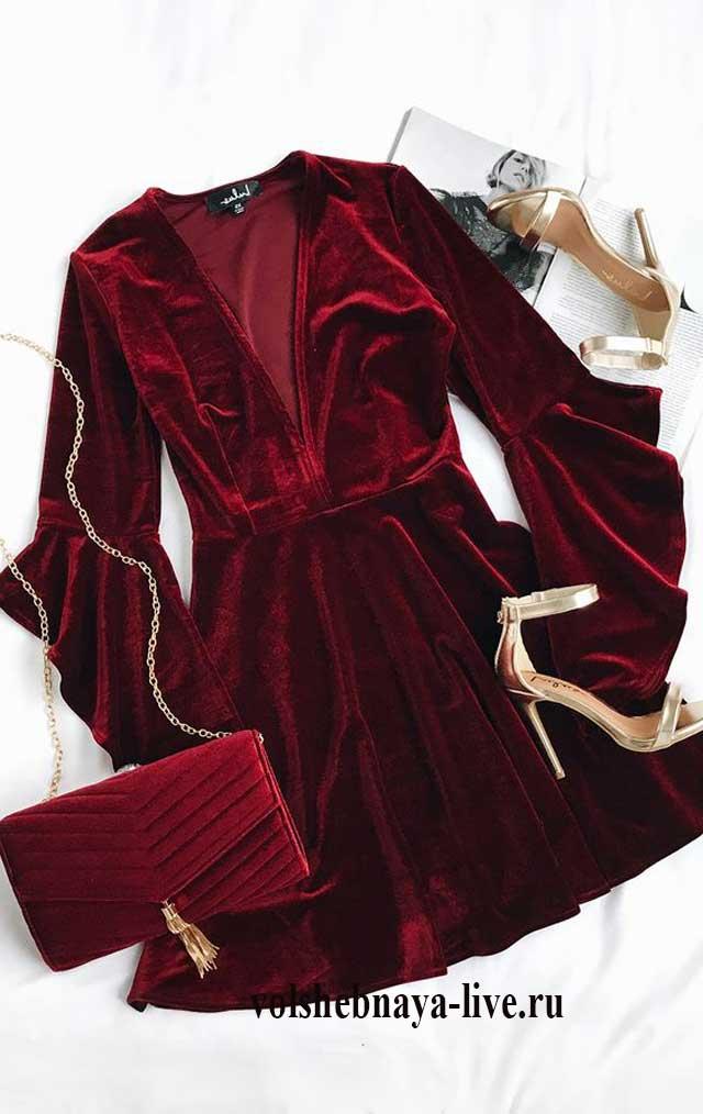 С чем носить бордовое бархатное платье