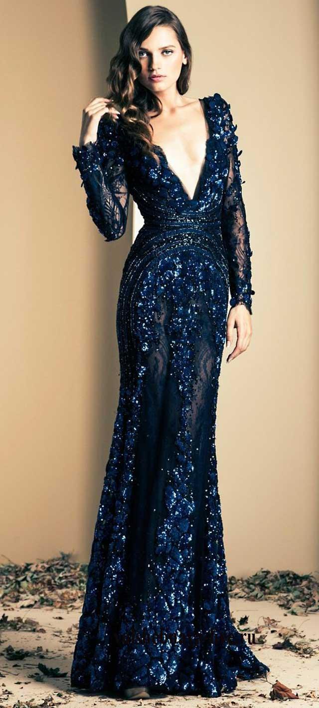 Вечернее платье с глубоким дэкольте