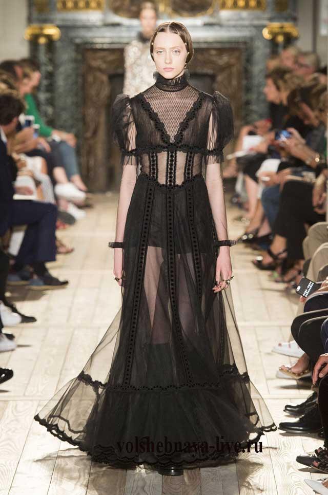 Черные платья с воротниками показ Валентно