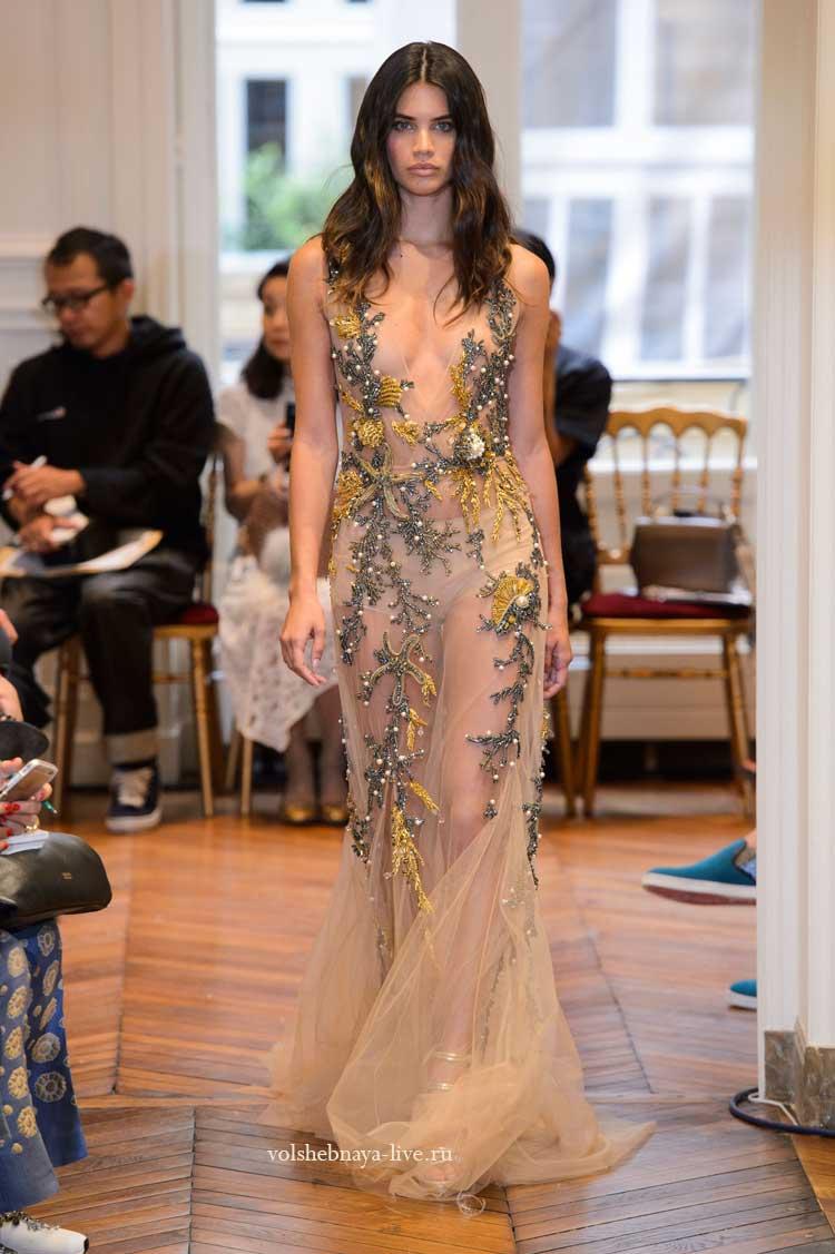 Бежевое платье пайетками от ferretti