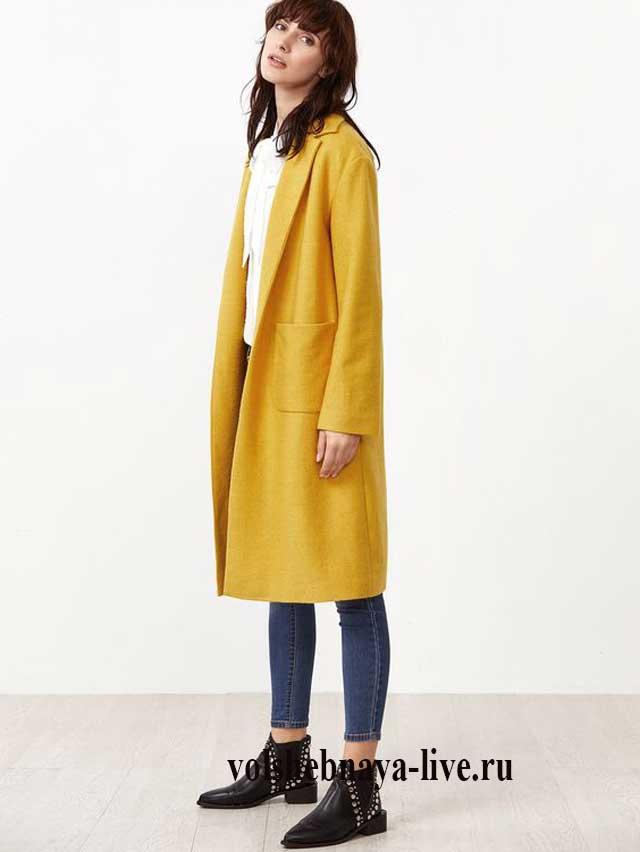 Горчичное пальто под лаковые туфли