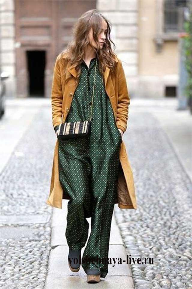 Зеленый комбез под горчичное пальто макси длины