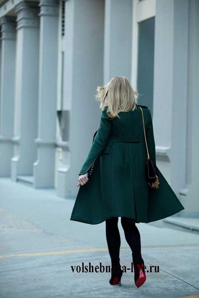 Изумрудное пальто приталенное