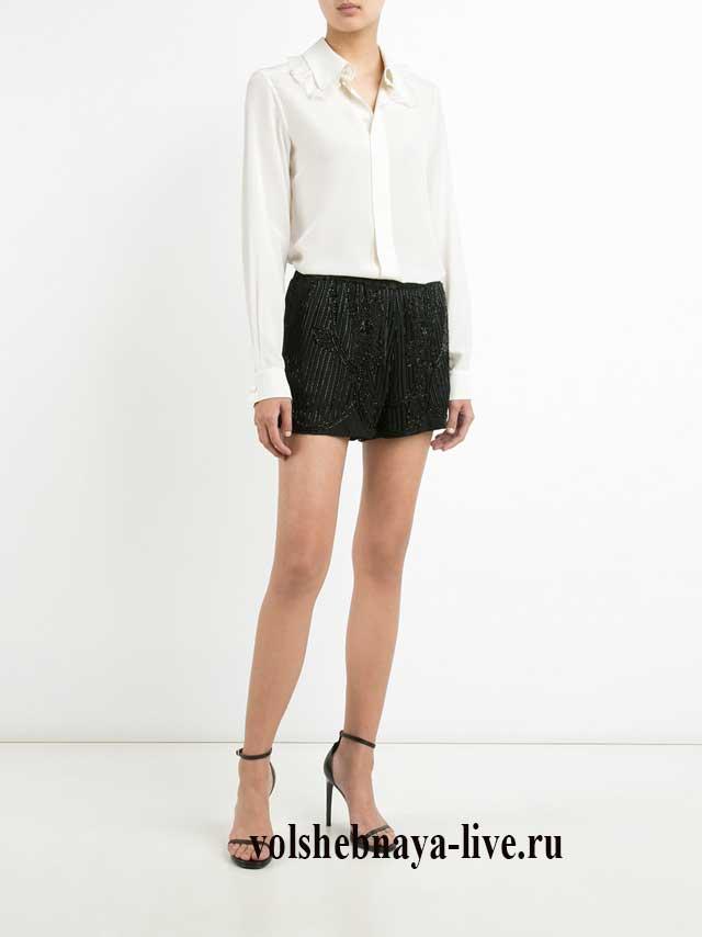 Белая блузка под черные шортики в пайетках