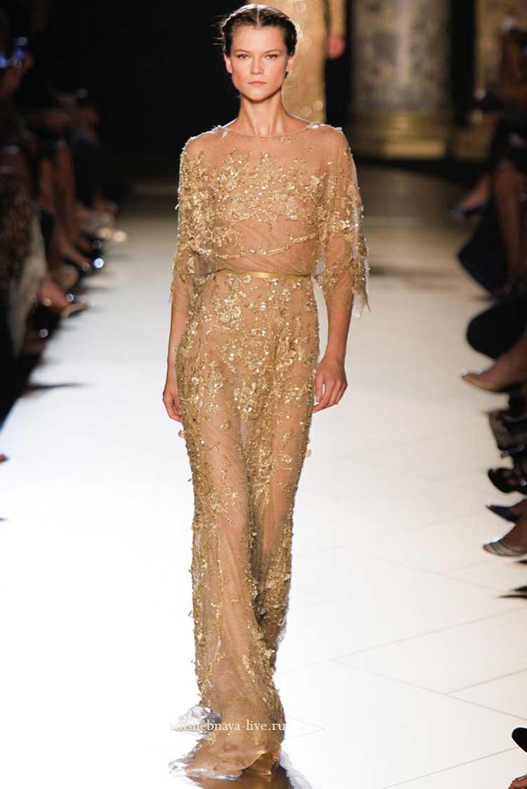 Золотистое платье в пол с паетками