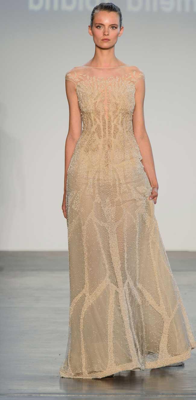 Прозрачное платье в пол с блестками