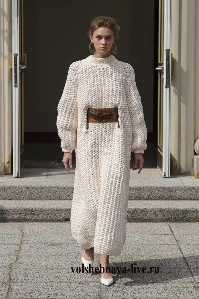 Белое свитер платье