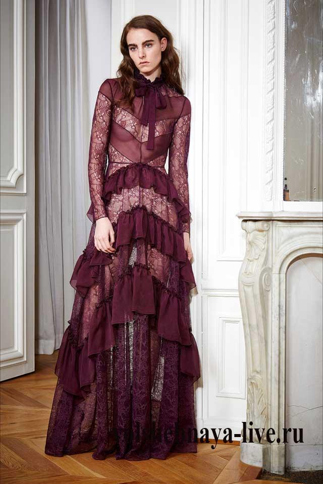 Платье с воланами в пол