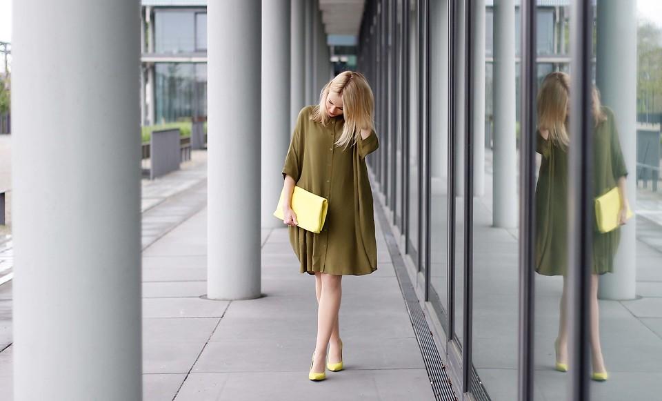 Платье - рубашка цвета хаки в стиле оверсаз