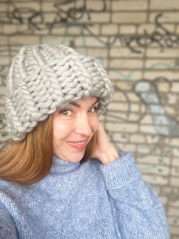 толстые шапки рельефной вязки