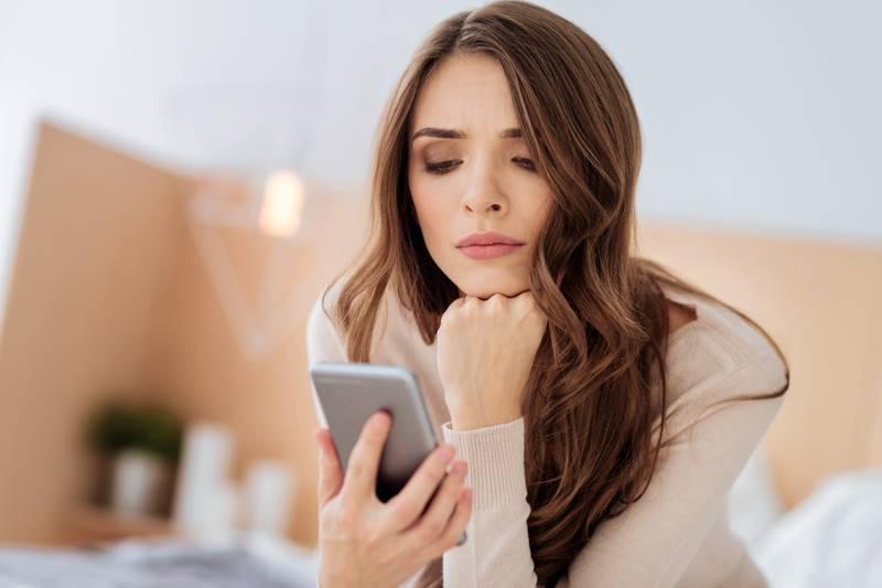 7 советов психолога о том, что делать, если мужчина не отвечает на СМС