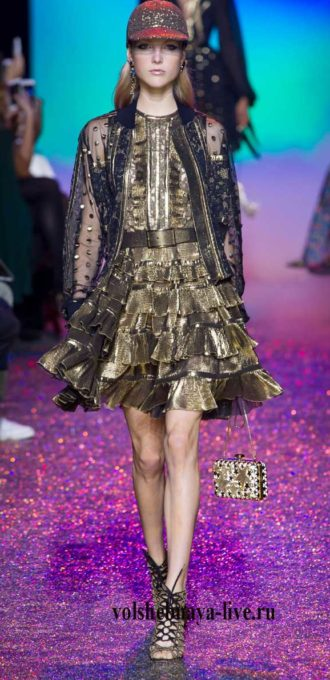 Платье с плиссированной юбкой золотое
